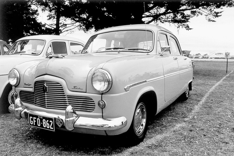 1954 Ford Zephyr side view