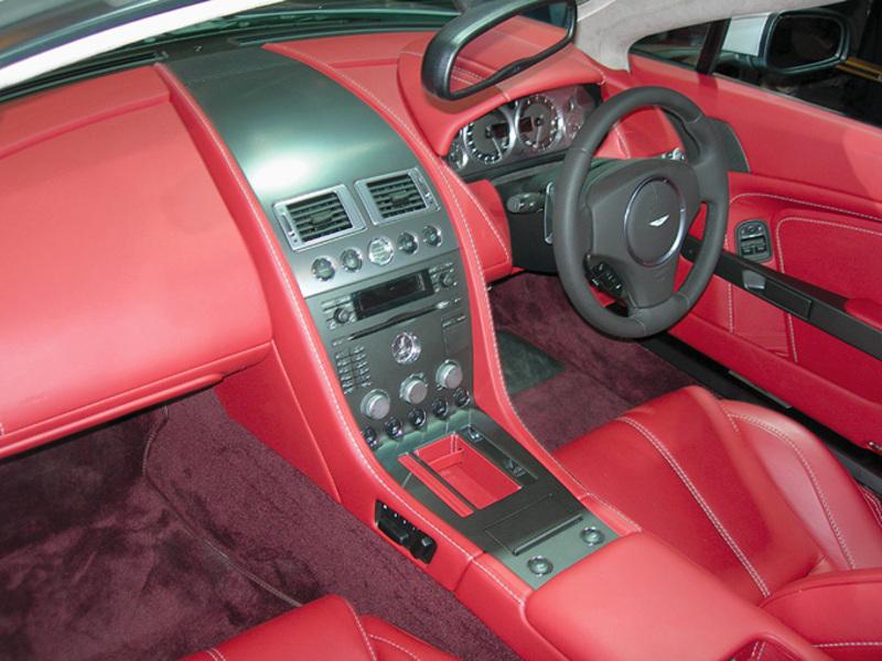 Aston Martin V8 Vantage Roadster Interior