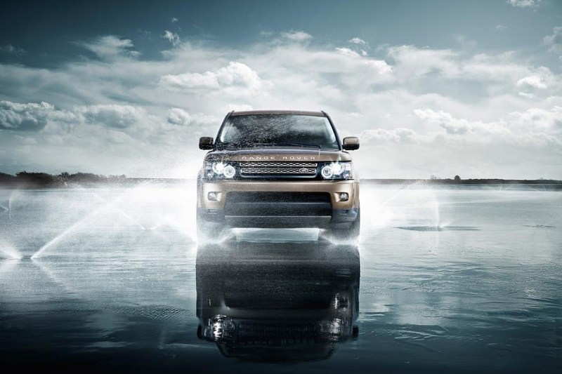 2012 Range Rover Sport front angle
