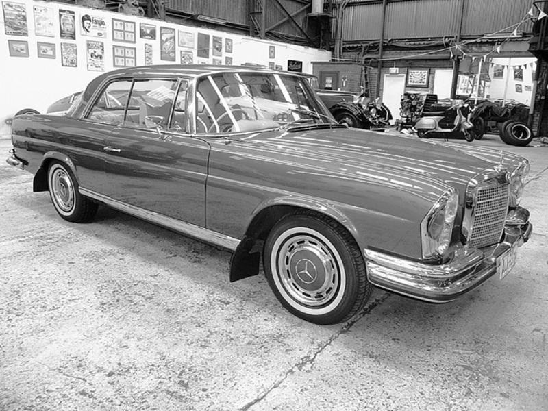 1970 Mercedes Benz 280SE 3.5 Coupe