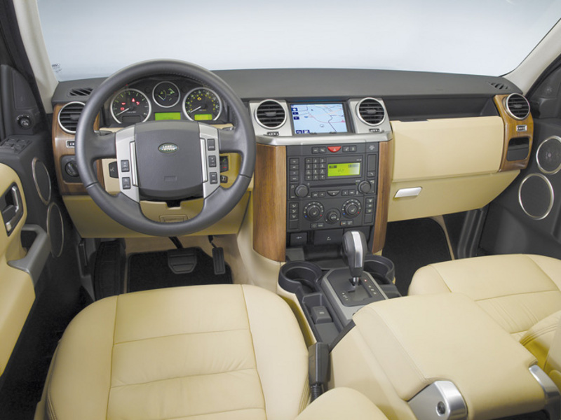 Land Rover Discovery 3 interior