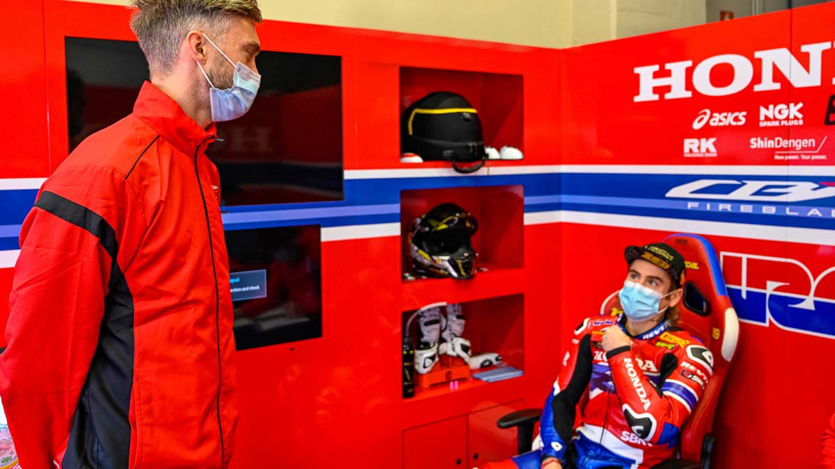 Camier takes on management role with Honda WSBK