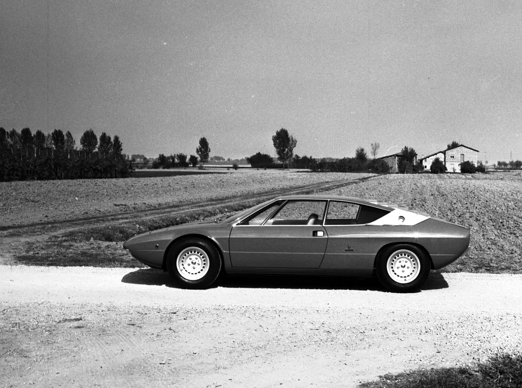 FEATURE - Lamborghini Urraco