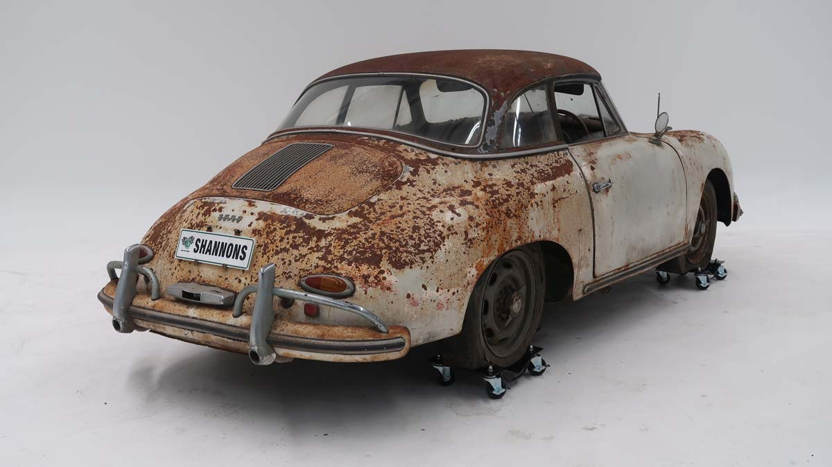 'Barn find' Porsche auctioned for $230,000