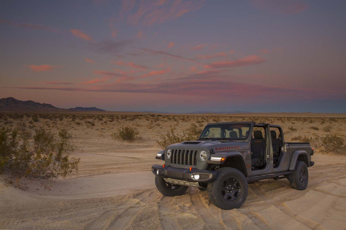 2020 Jeep Gladiator Mojave - doors removed