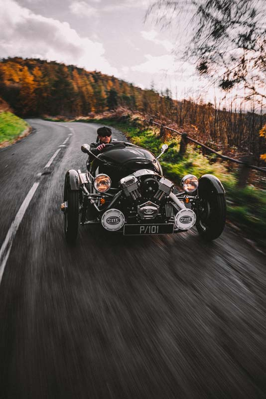 Morgan to suspend 3 Wheeler production
