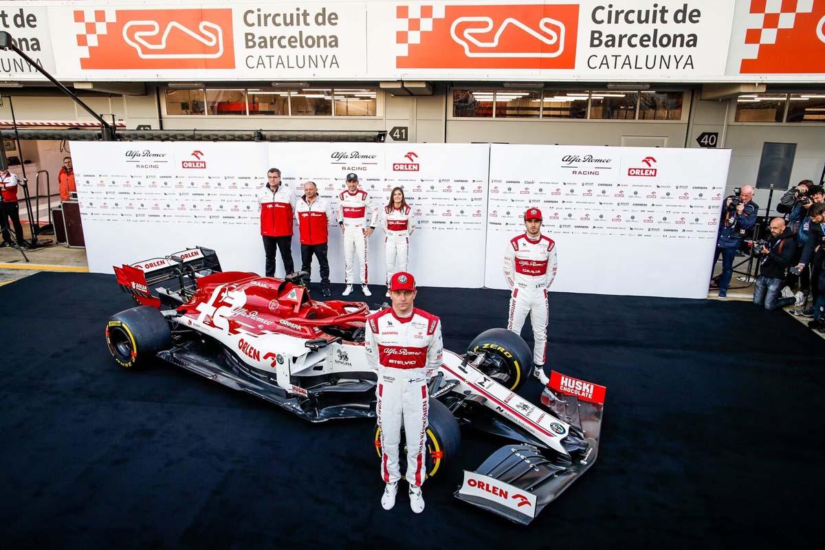 Kimi Raikkonen announces retirement from Formula 1y