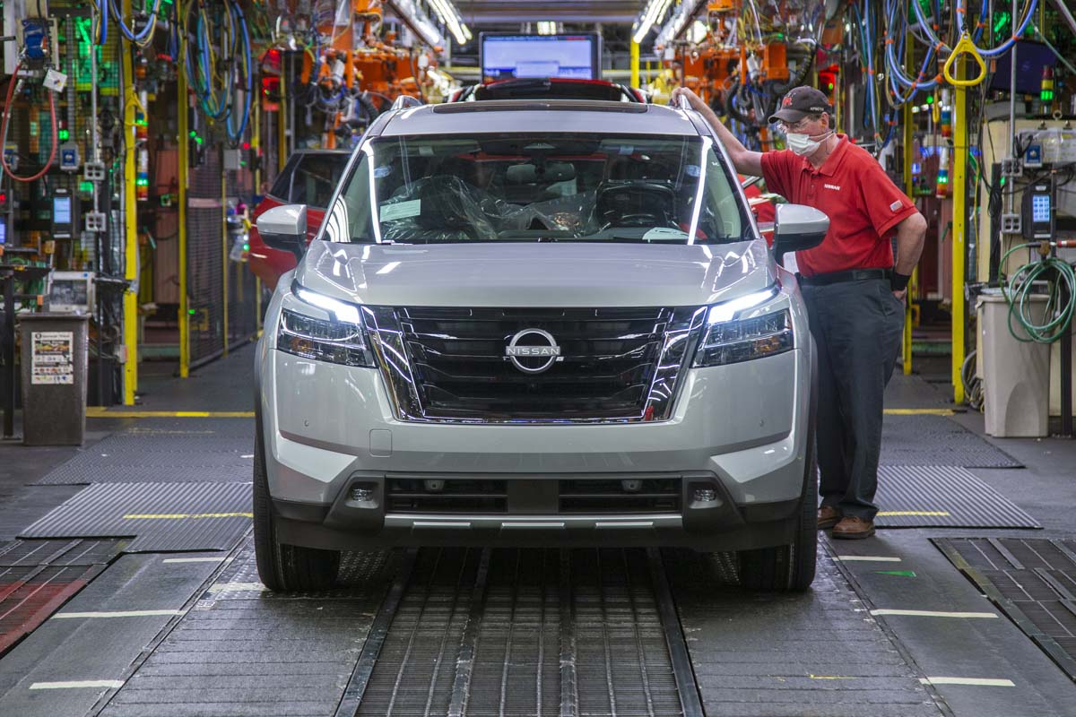 Production of new Nissan Pathfinder begins