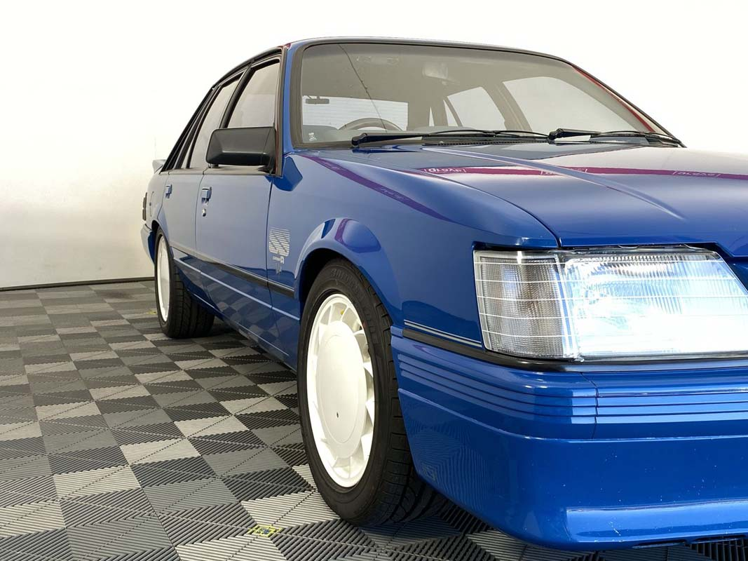 HDT Commodore hits million-dollar mark at auction