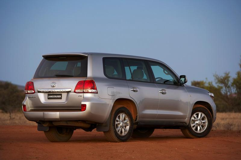 Rear 45 degree view of the 2007 Toyota Landcruiser 200 series