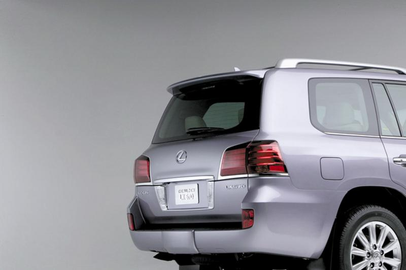 Rear view of 2007 Lexus LX570 with tail gates closed