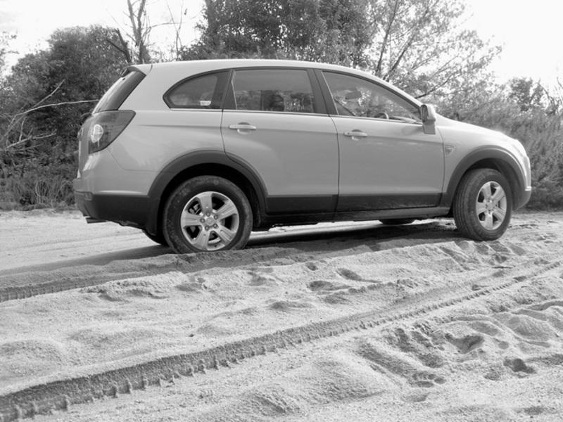 Side view of the 2007 Holden Captiva Diesel