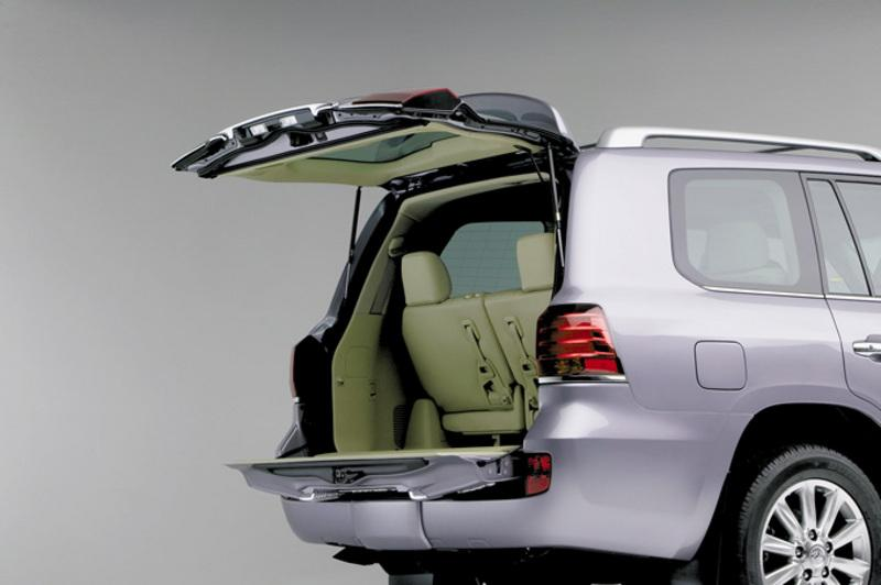 Silver 2007 Lexus LX570 with rear tail gates open